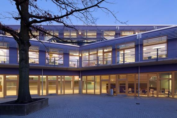 IBA, Schule Stuebenhofer Weg