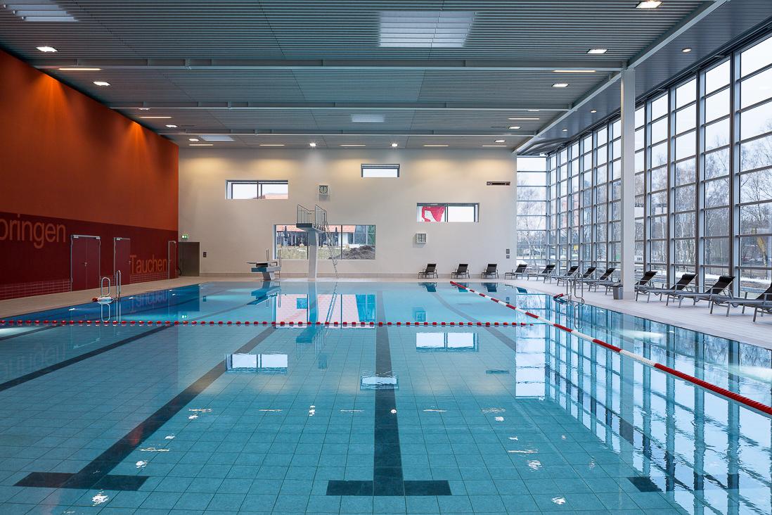 Schwimmbad wilhelmsburg - Schwimmbad architektur ...